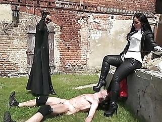 Hard labor and whipping - the fate of a slave femdom latex spanking
