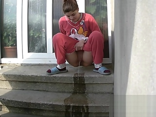 Amateur girl Maya peeing at home 1 amateur hd pissing