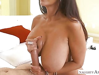 Ava is such a hot bitch blowjob hardcore milf