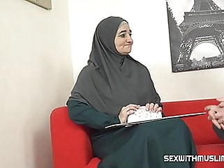 Muslim milf pays for service with her body amateur blowjob handjob